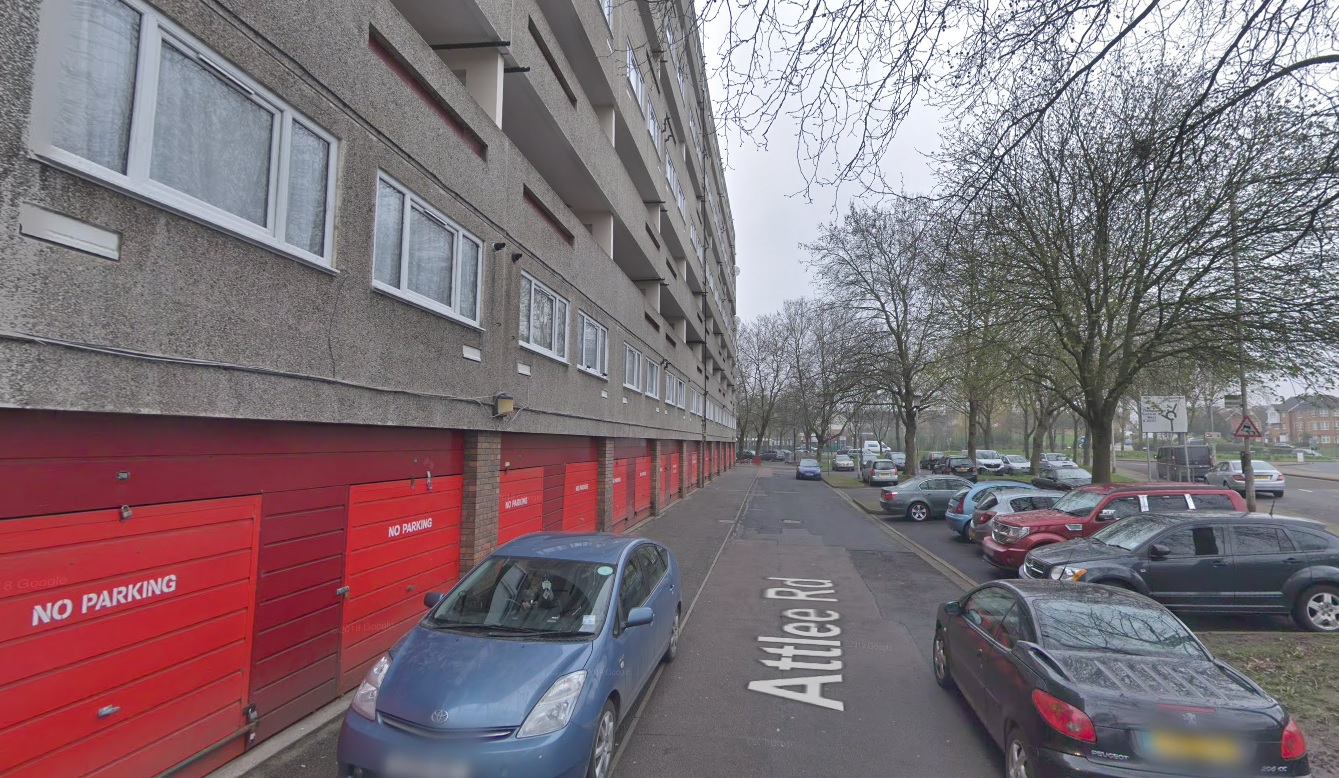 Man found with multiple stab wounds in Thamesmead