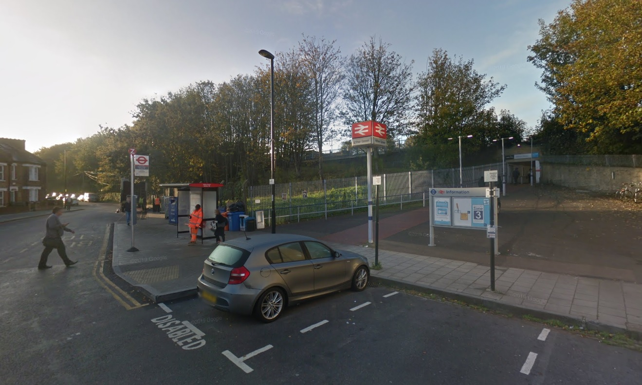 Man taken to hospital after Hither Green incident