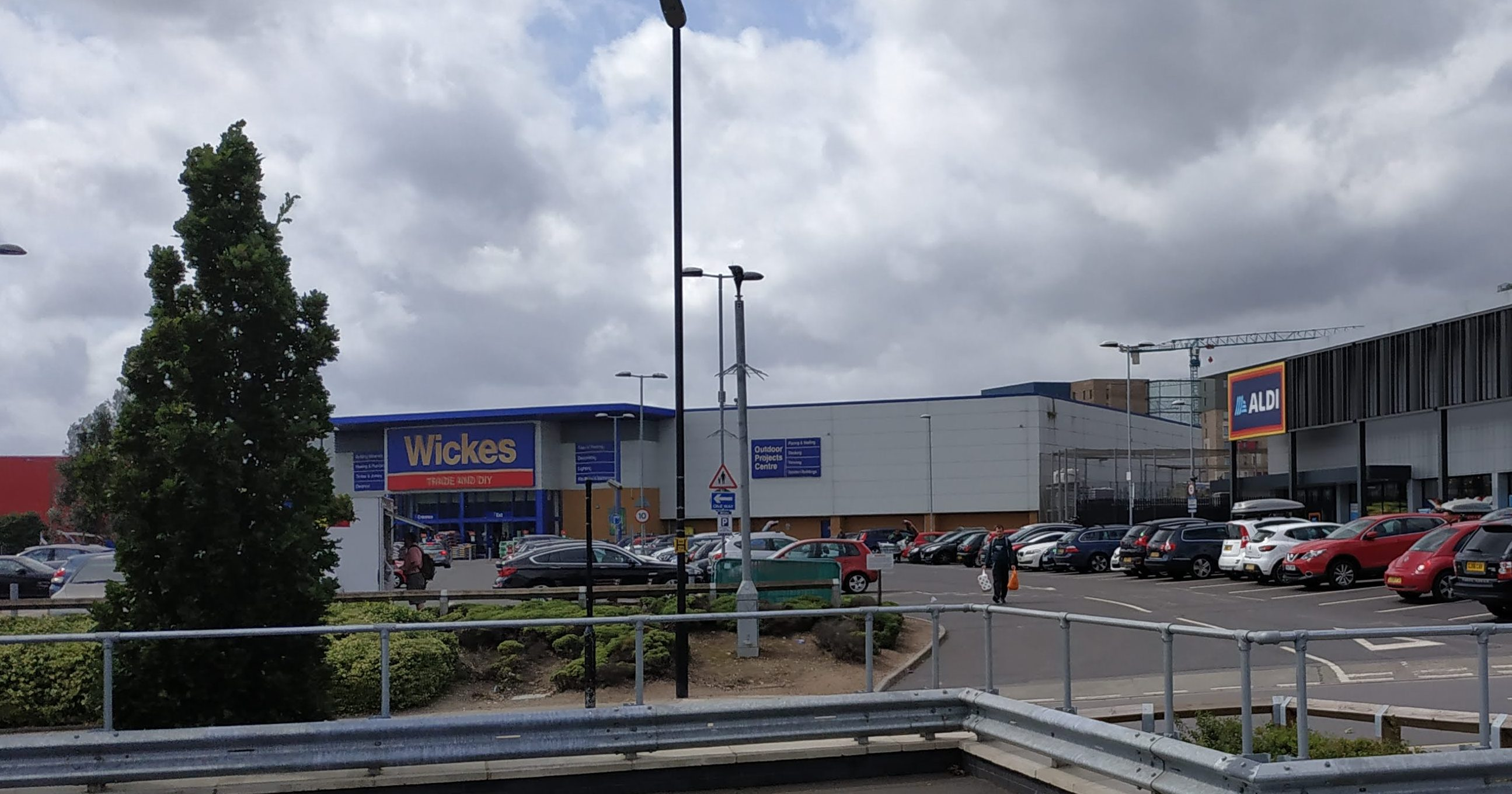 Home Bargains Charlton ready to open: Latest addition to Charlton retail parks