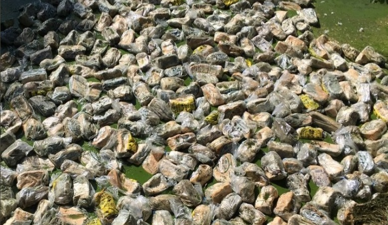 Three hundred unopened bread loaves found in Thamesmead canal