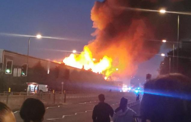 Major fire breaks out in Crayford
