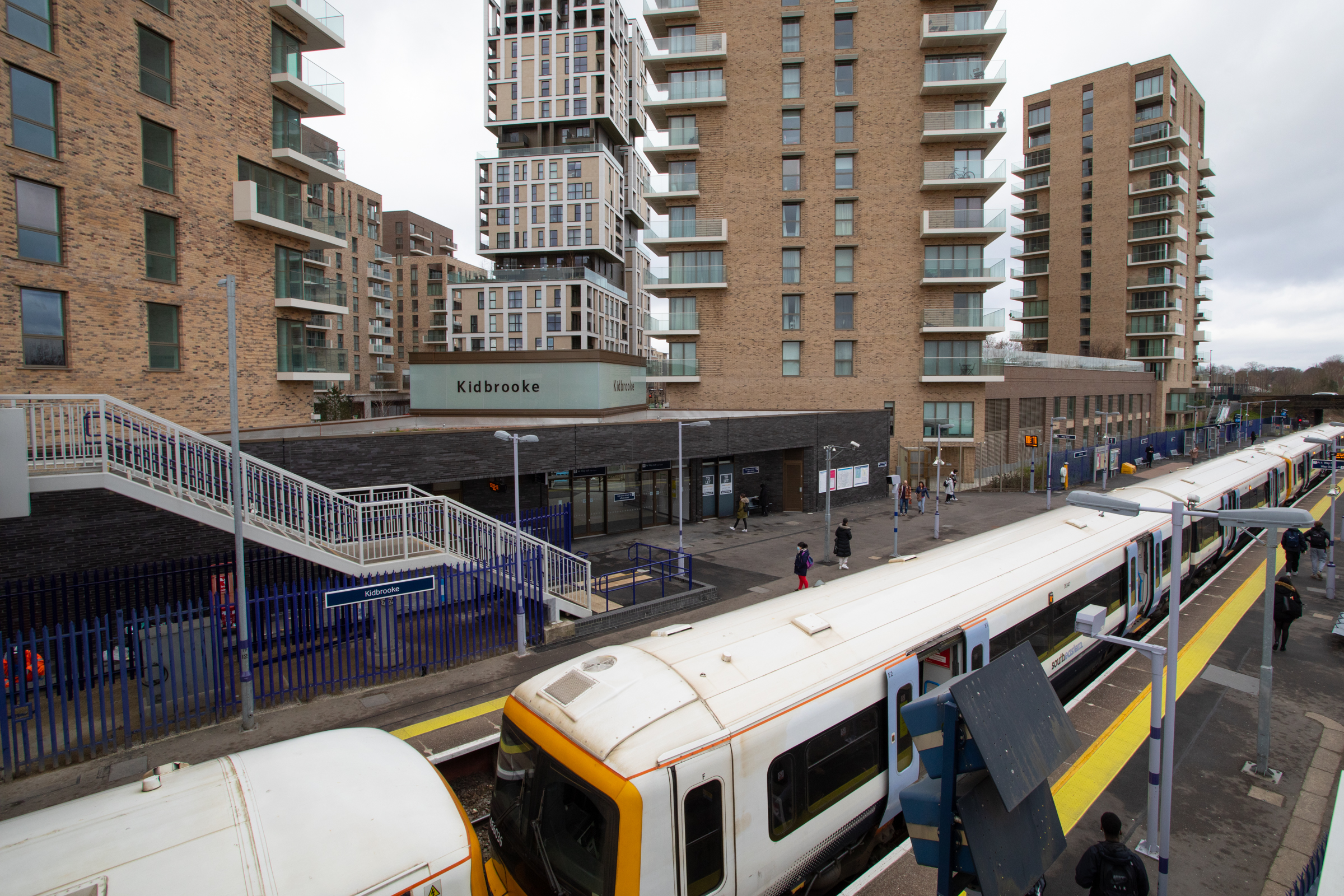 New Kidbrooke railway station opened by Southeastern
